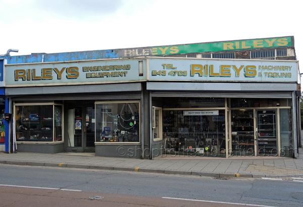 Rileys 2 S