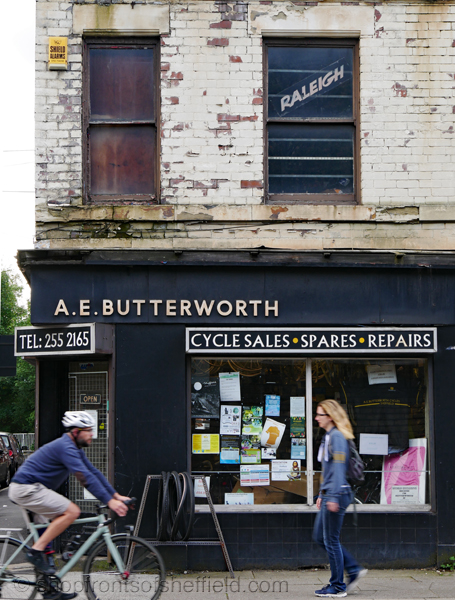 2. A E Butterworth 547 Abbeydale Road Sheffield S7 1TA ©shopfrontsofsheffield 2017 | P1030265 S SFoS