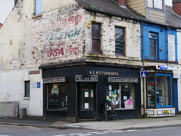 3. A E Butterworth 547 Abbeydale Road Sheffield S7 1TA ©shopfrontsofsheffield 2017 | P1030270 S SFoS